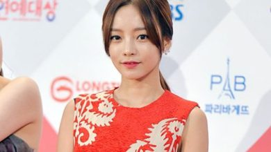 Photo of Ask Kara KeyEast exclusive contract with a public letter in hand