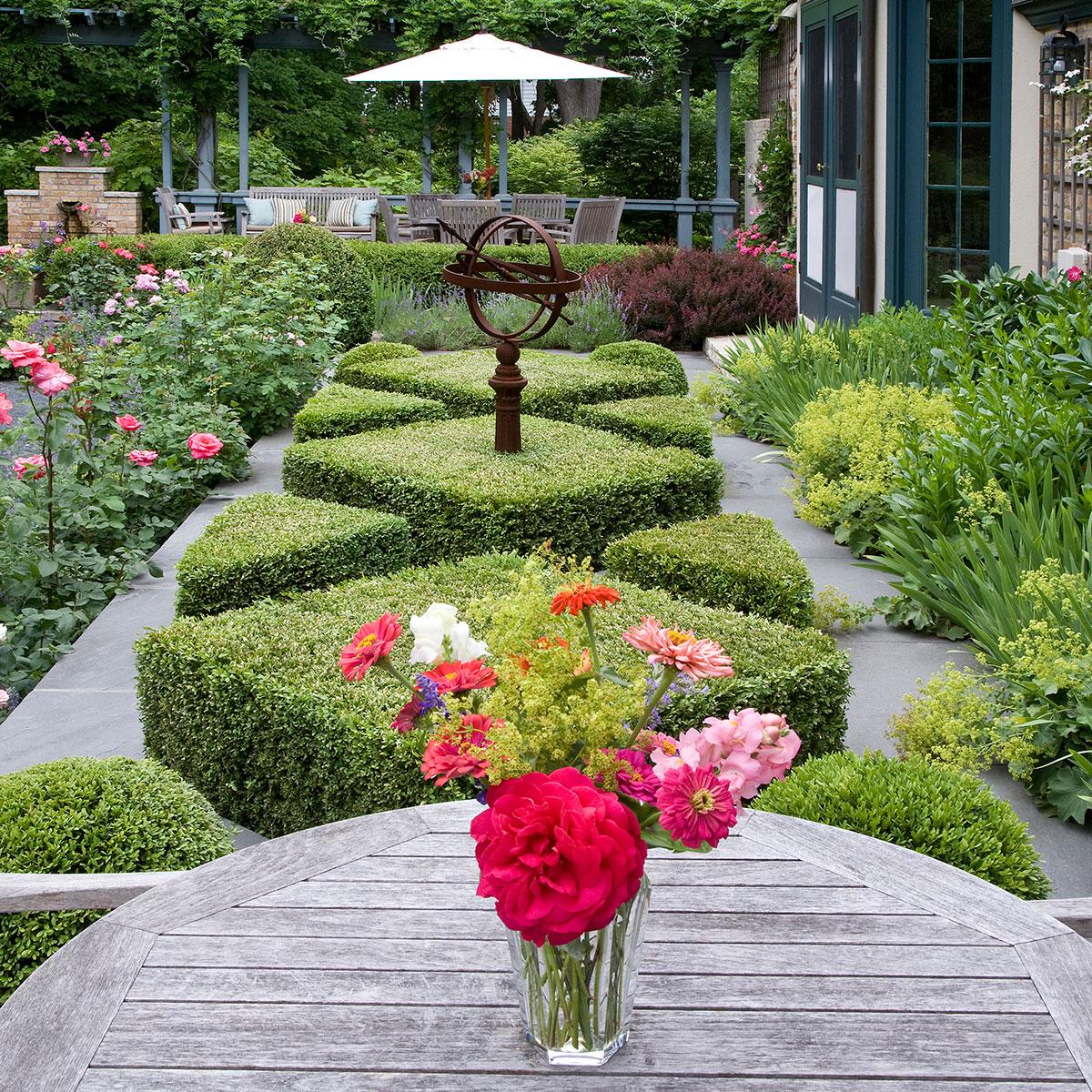 Shop Portunities Await At The Antiques Garden Design Show My