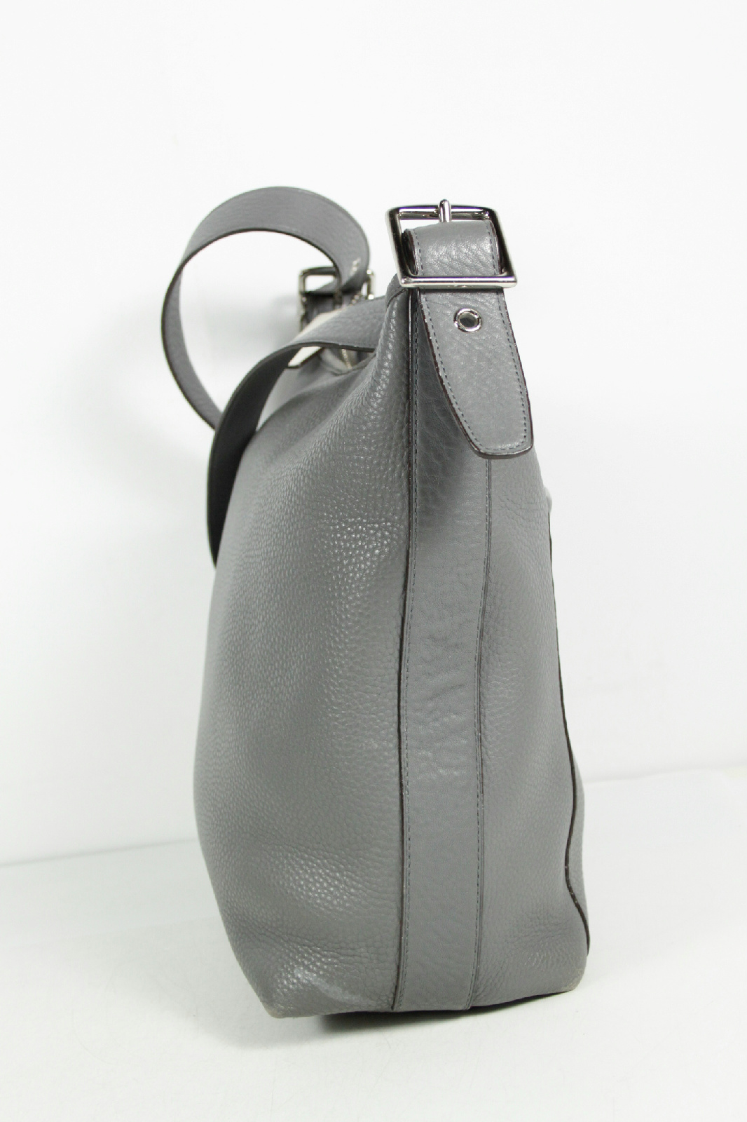 b942085e Grey Coach Bag