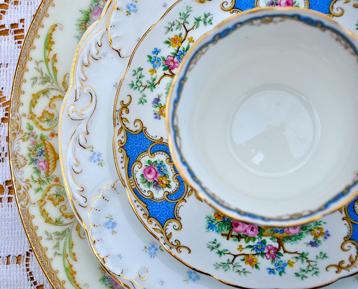 renting tables and chairs dining table hong kong vintage mismatched plates for rent   something rentals