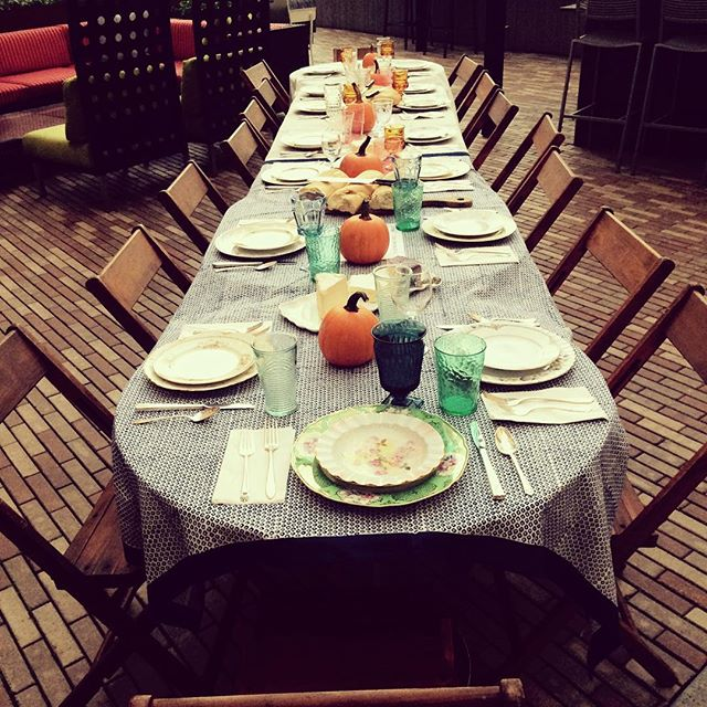 Our awesome client @ktek105 held an @feedprojects supper for her birthday in lieu of gifts---all to raise money for meals for children and families around the world. How awesome is that?!? #vintagerentals #vintagechina #giveback #dogood #dc #acreativedc