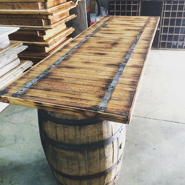 Cheers to our new wine barrel bar! Top handmade from reclaimed #DC wood ......#vintagerentals #vintage #weddings #eventstyling #weddingflorist #weddinginspo  #weddings #weddinginspiration #risingtidesociety #wedding #dcwedding #flowers #vintageweddings #farmwedding #virginiawedding #salvage #build #reclaimed #green #create  #weddinginspiration #eventdecor #acreativedc #vineyardwedding