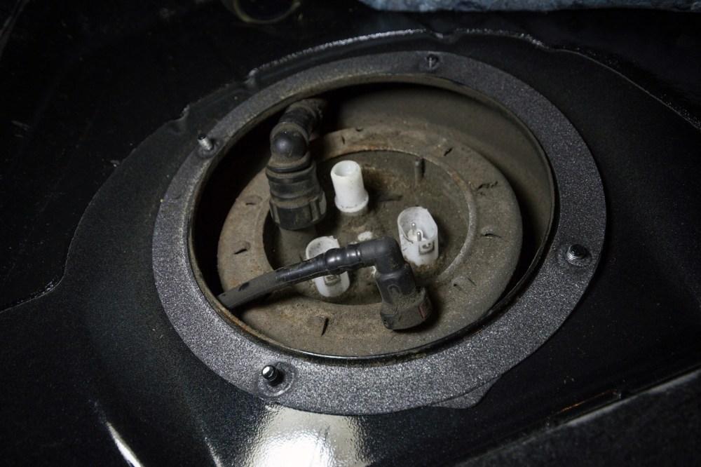 medium resolution of fuel pump relay location also electric fuel pump on e23 bmw fuel pump