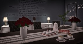 Be Mine Coffee set, rode of roze ,koffiepot 1 prim kop en schotel 2 prims, Cakes 4 prims. Vazen met rozen trans -no copy elk 4 prims