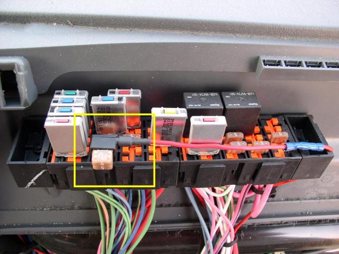 2005 Freightliner Business Class M2 Brake Light Switch Location