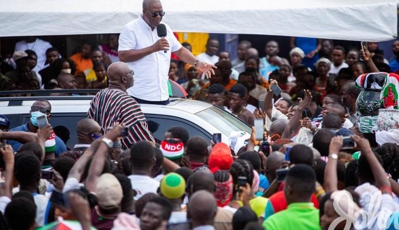 Former President Mahama addressing a crowd