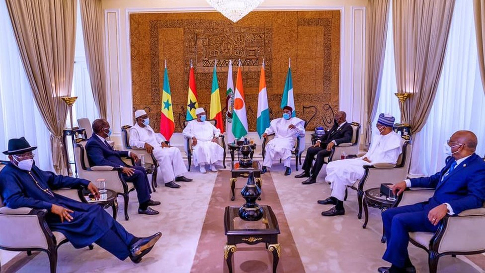 Ecowas leaders meet to find solutions to Mali's crisis