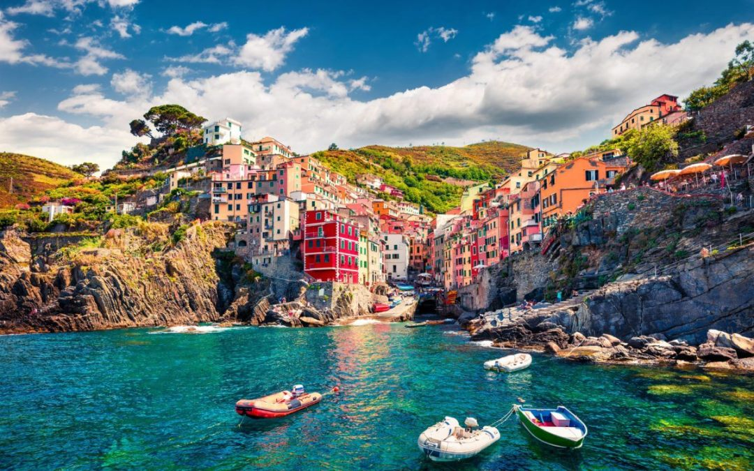 5 excellent reasons to go on a day trip from florence to cinque terre