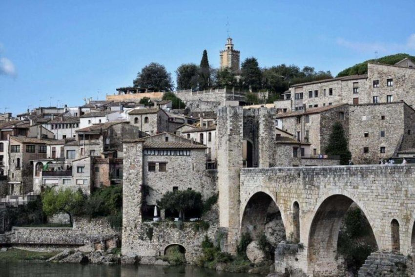 11 Fantastic Attractions In Besalu, Spain