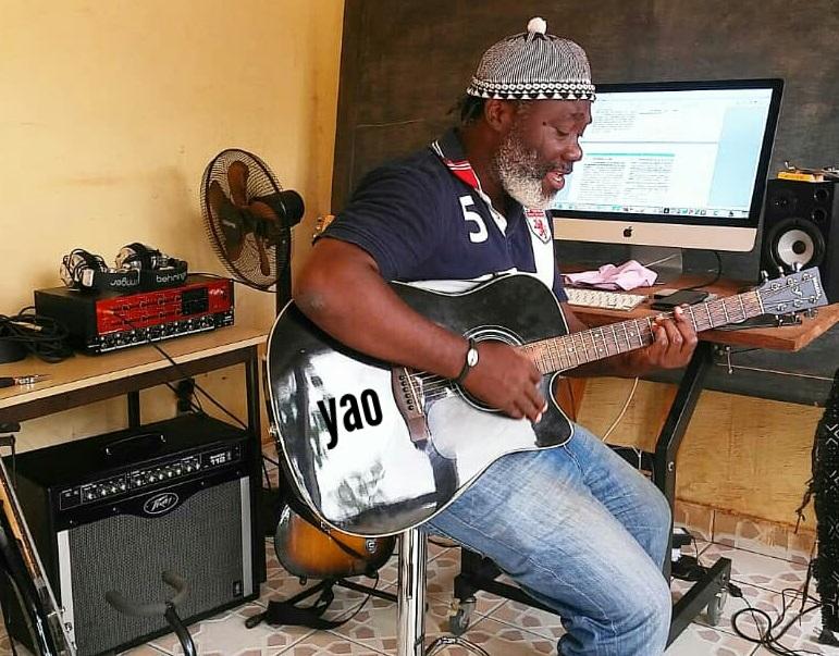 Togo / YaoJah : son engagement artistique ne l'empêche pas d'être un professeur à temps plein !
