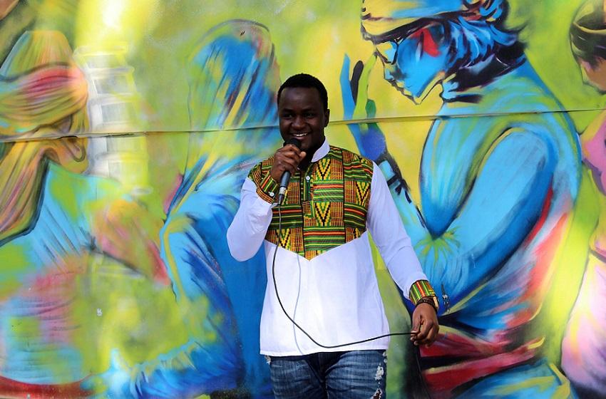 Guinée-Diaspora/ Abdoul H. Diallo : « Le slam me procure, un sentiment de liberté, de partage et de voyage improvisé à travers les mots »