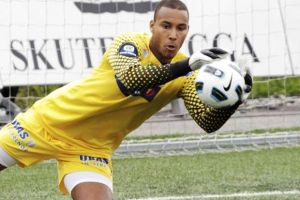 Goalkeeper Adams Kwarasey of Black Stars fame forced out of the team by a waist injury