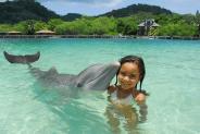 dolphinencounter-girl