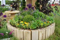 How To Make Round Flower Beds That Will Beautify Your Yard