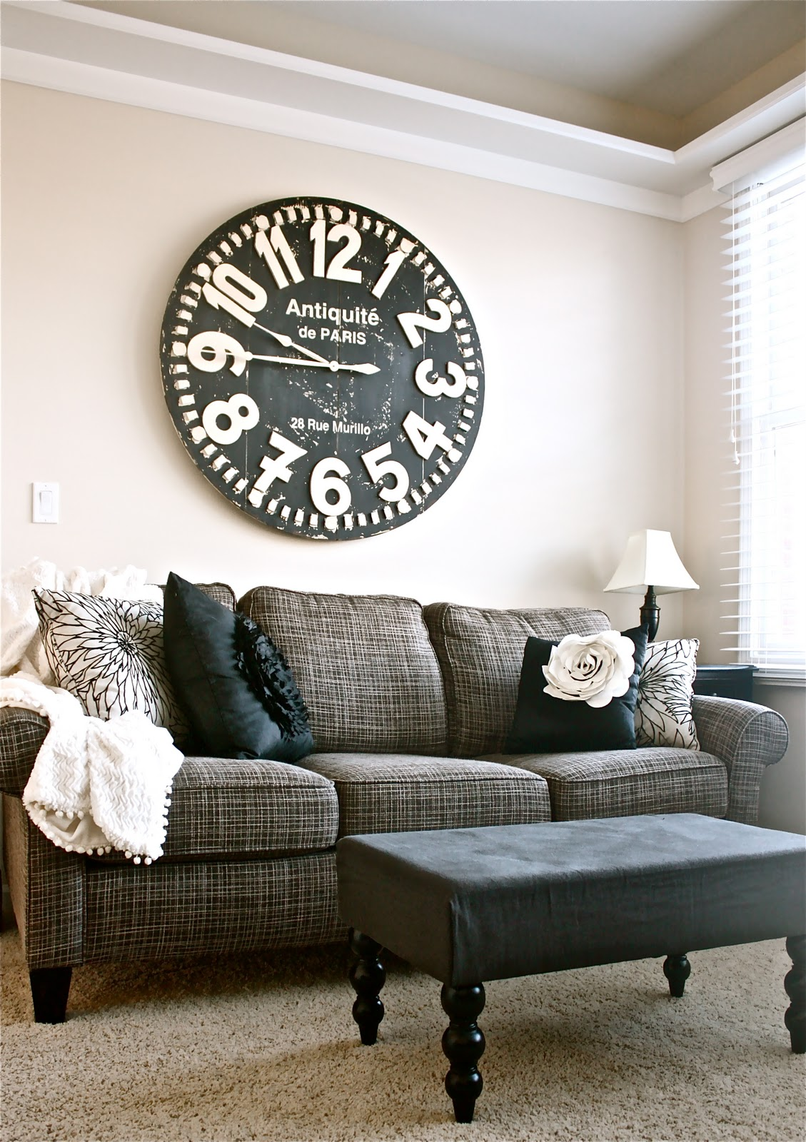 How To Decorate Above The Sofa In Some Attractive Ways