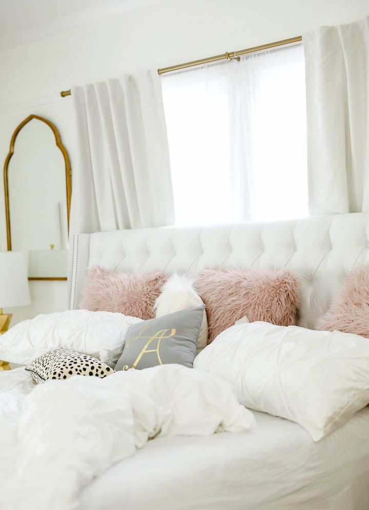 Fascinating Lady Bedroom Decor To Add Stylish Note In Yours