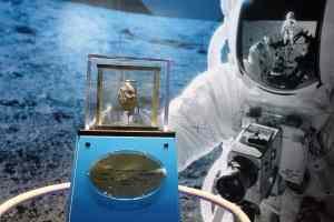 Apollo 12 moon rock