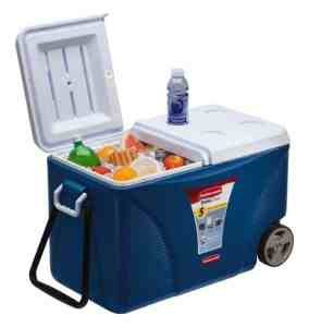 reduce COVID risk when traveling by car with a cooler