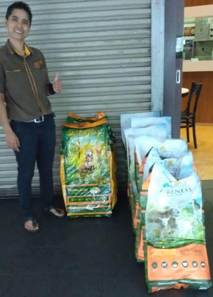 MCO-Relief Petfood Donation (Nurul Syahida Bt Razali Nadarajan & Mohd Ezarian Abdul Rahman)