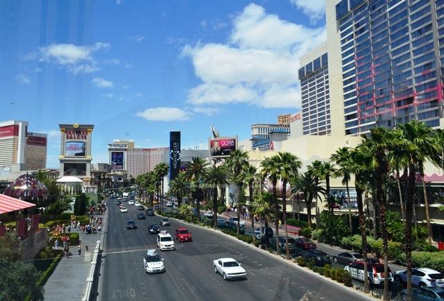 15 ဒါကေတာ႕ အဘတို႕မေရာက္ေသးတဲ႕ Las Vegas Boulevard ေျမာက္ဘက္ျခမ္း ။