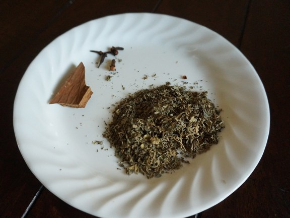 This is quite a lot of crushed kasoori methi (I was finishing an older packet). You could use less if you're uncertain about it.