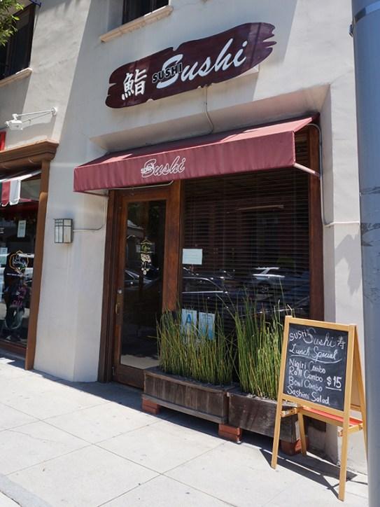 Sushi Sushi: Exterior