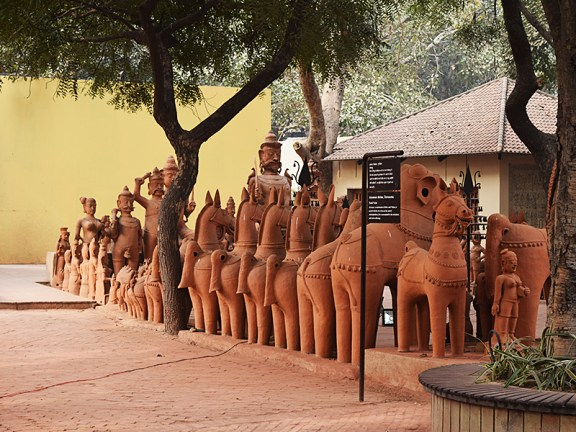 Terracotta figures from Tamil Nadu right by the Cafe Lota entrance.