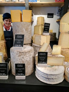 Neal's Yard Dairy, Covent Garden: Raw Cow's Milk Cheeses