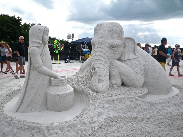 14. Beautiful Sand Sculpture