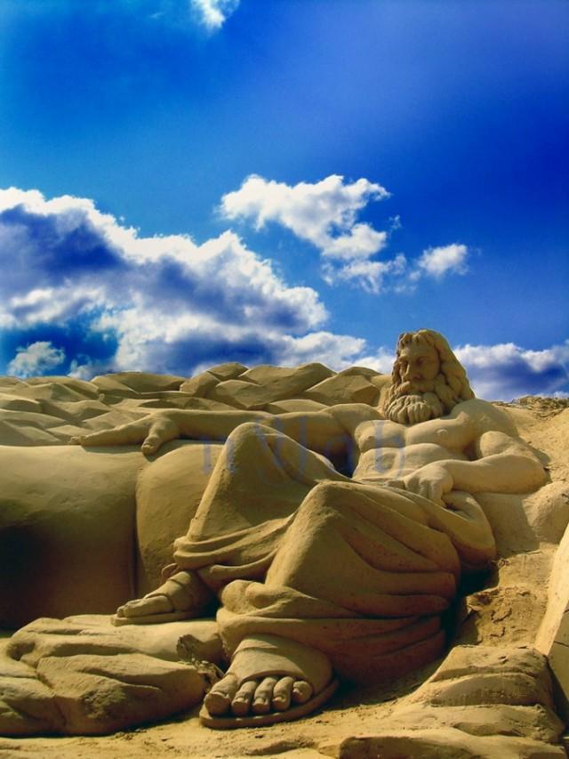 9. Beautiful Sand Sculpture