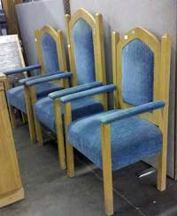 Oak church pulpit and side chairs | Auction Finds