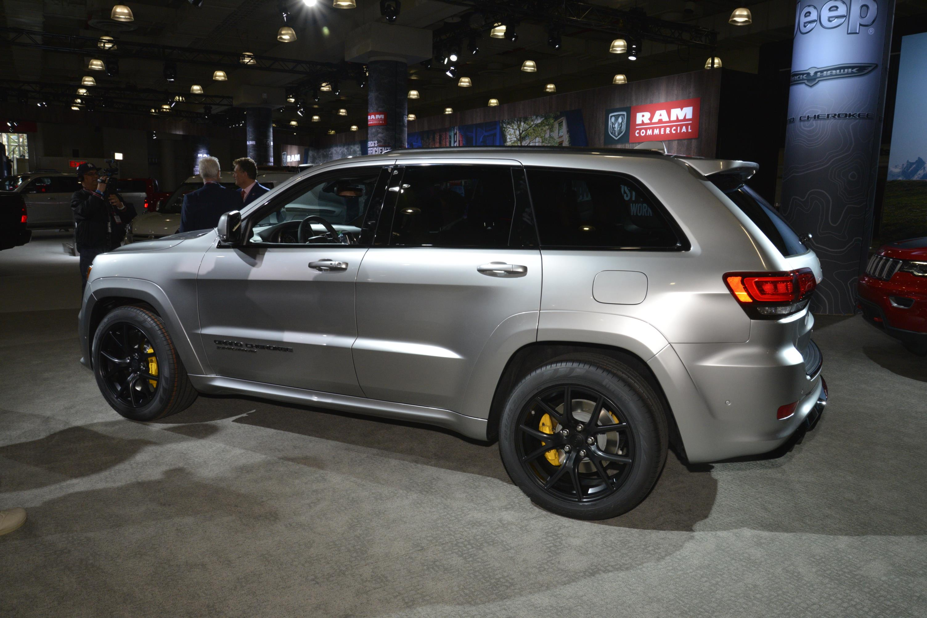 707 Horsepower 2018 Jeep Grand Cherokee Trackhawk Myautoworld Com