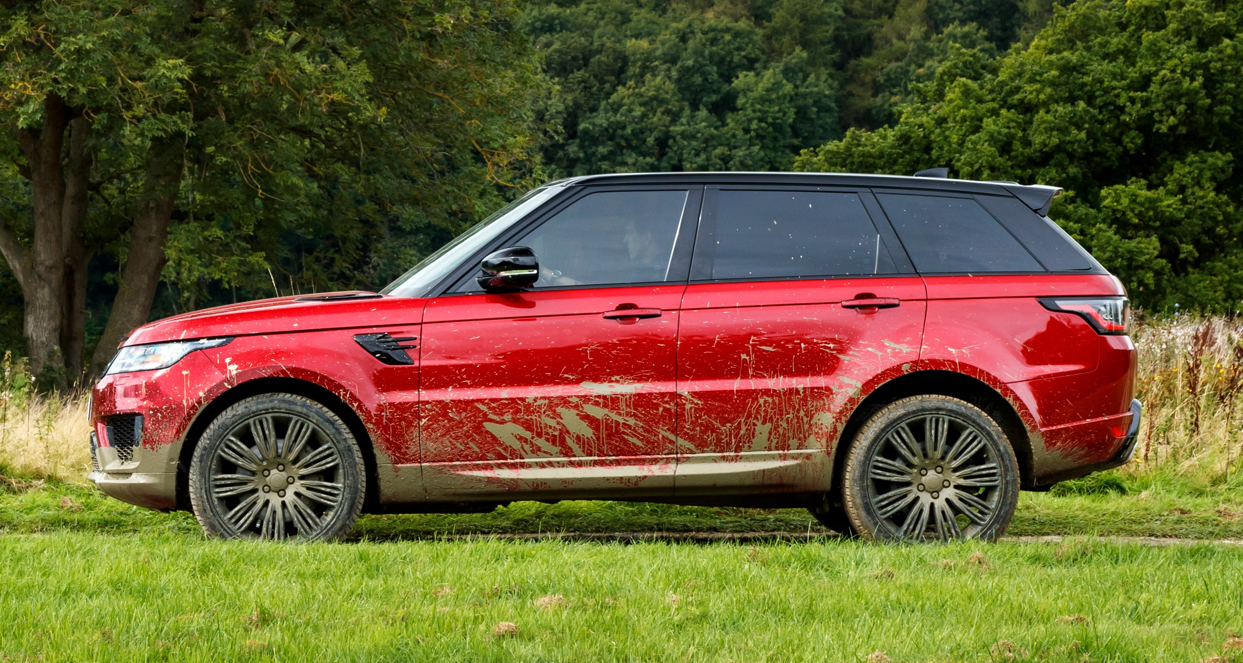 RANGE ROVER SPORT TO FEATURE SIGNIFICANT DESIGN AND TECHNOLOGY