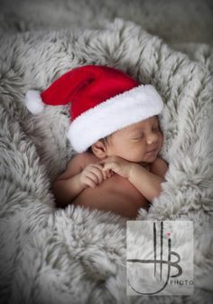 Newborn Christmas Pictures 21