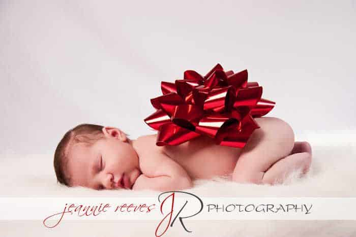 Newborn Christmas Pictures 27
