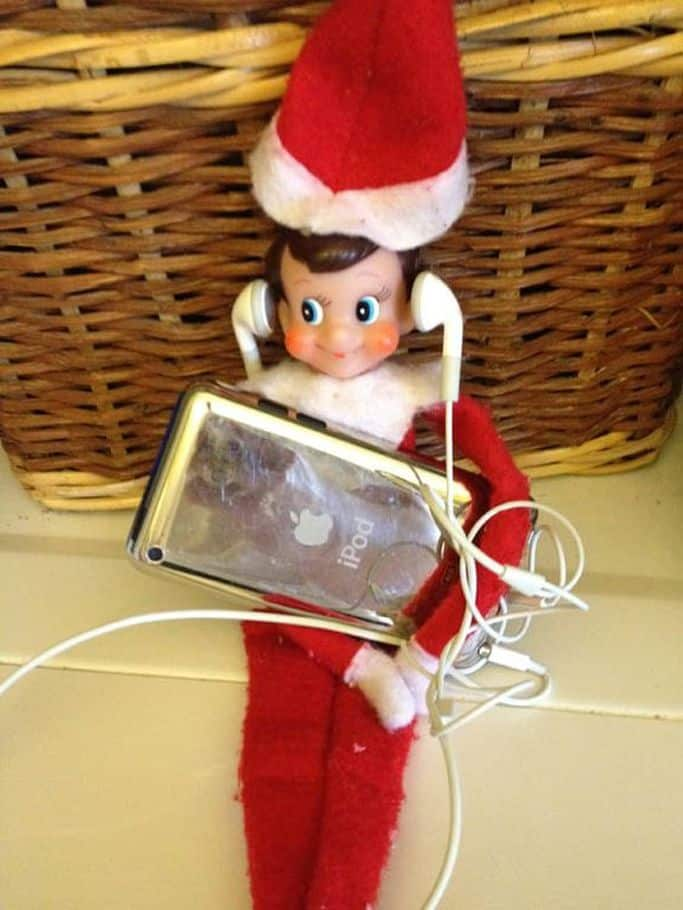 15 fun and cute elf on the shelf ideas mybabydoo for Elf shelf craft show