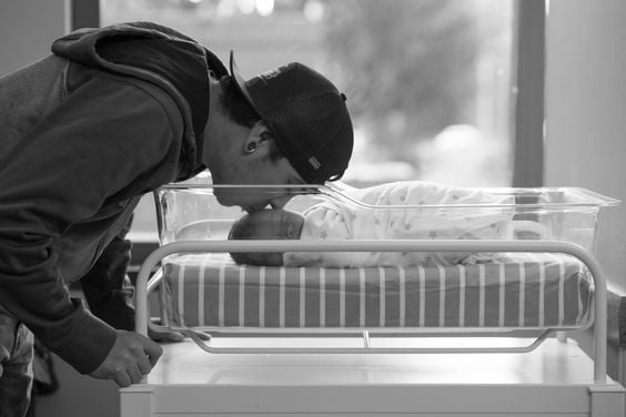 newborn hospital picture ideas
