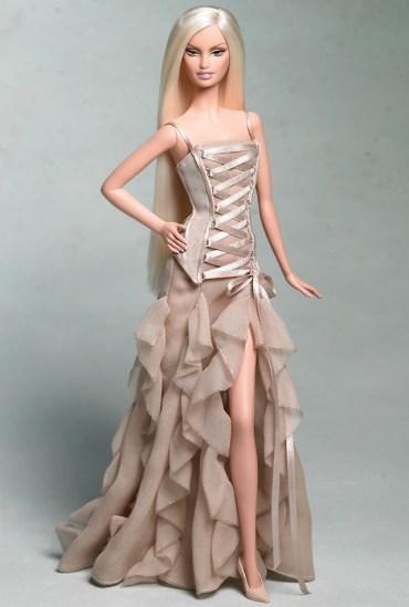 Versace Barbie Doll | Crédito da imagem: divulgação www.barbiecollector.com / Mattel