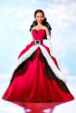 2007 Holiday Barbie Doll | Crédito da imagem: divulgação www.barbiecollector.com / Mattel