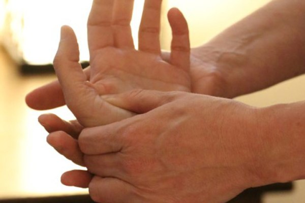 4 handed massage