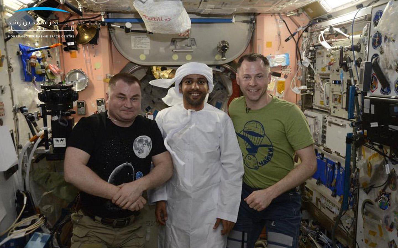 emirati kandura in space