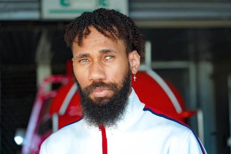How do Celebrities Grow Beards So Quickly?