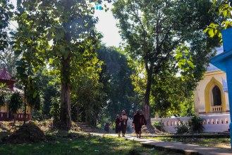 Mönche im Morgengrauen