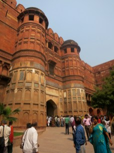 Busy entrance to Agra Fort