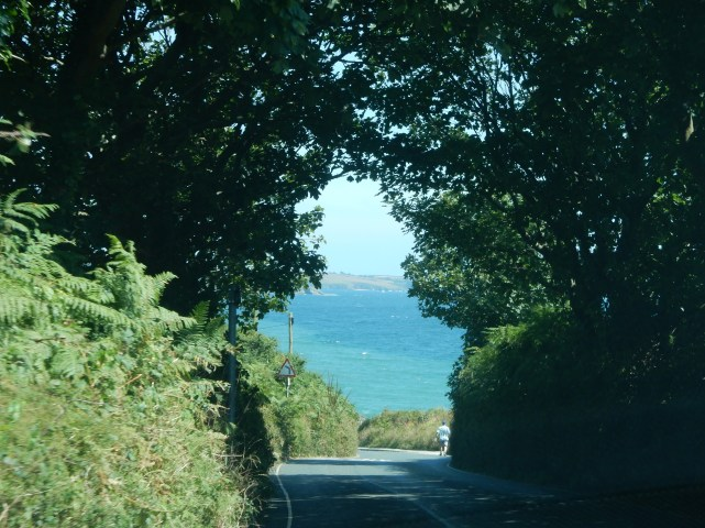 Towards Swanpool from Maenporth