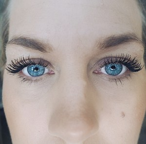 Younique Moonstruck Epic Mascara Review