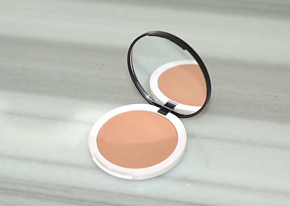 """Tinted """"Un"""" Powder by rms beauty #17"""