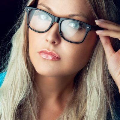 How to Choose a Pair of Glasses for Your Face Shape