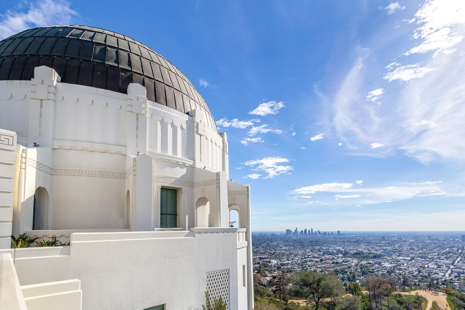 Free things to do in Los Angeles - Griffith Observatory and city skyline - los angeles, california, usa featured by popular Los Angeles Blogger, My Beauty Bunny