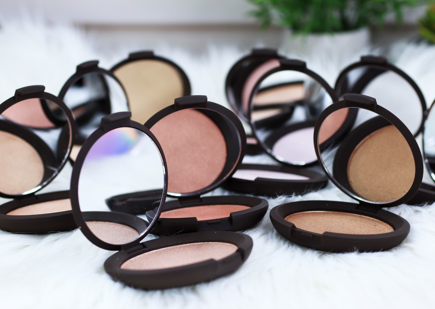 Becca Shimmering Skin Perfector Cruelty Free Highlighter Review and Swatches by Los Angeles Blogger, My Beauty Bunny